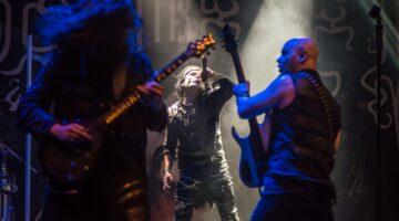 banda Cradle of Filth se apresenta ao vivo
