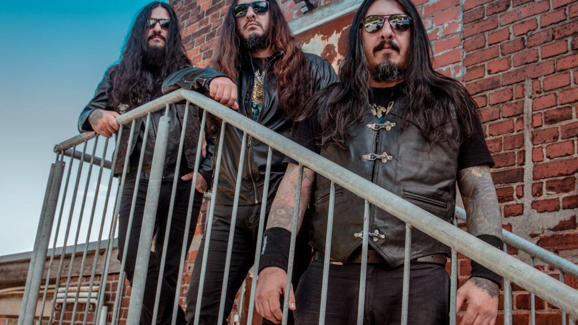 Banda Krisiun posa para foto de divulgação do Garage Sounds